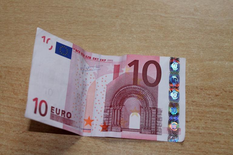 desetieurová bankovka
